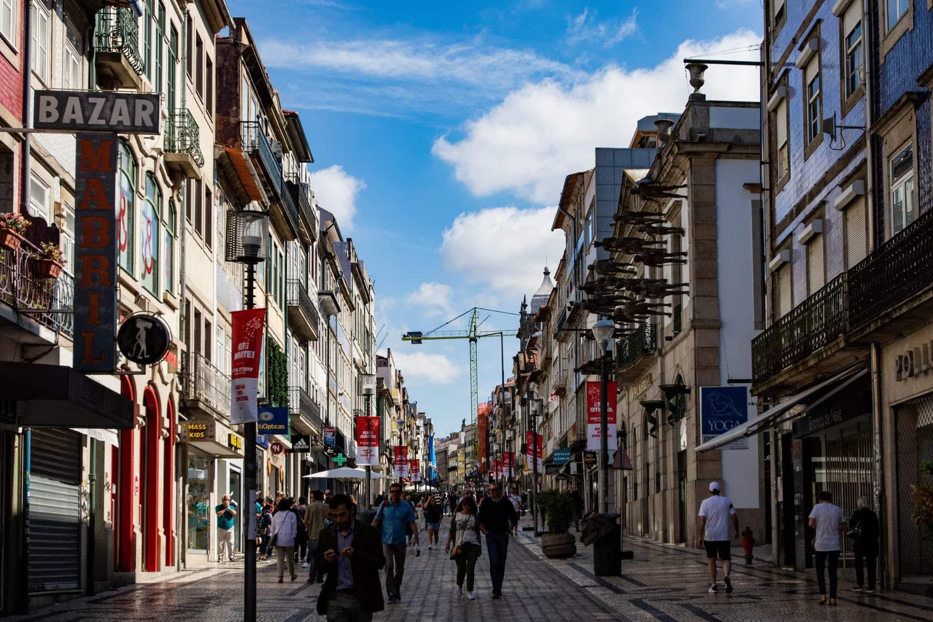 Seu Apartamento Rendendo 1% ao Mês na Europa por €10 Mil de Entrada