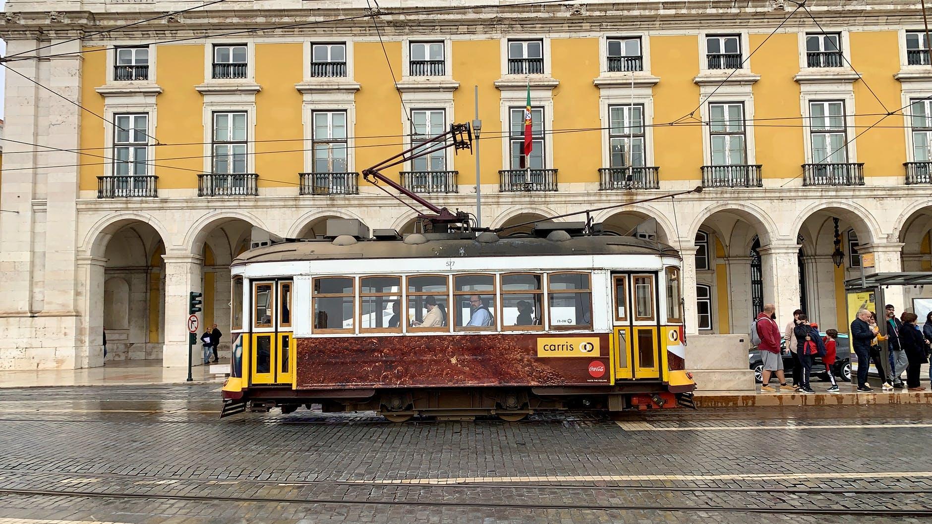 Pedidos de Visto D7 voltam a ser aceitos pelos Consulados de Portugal